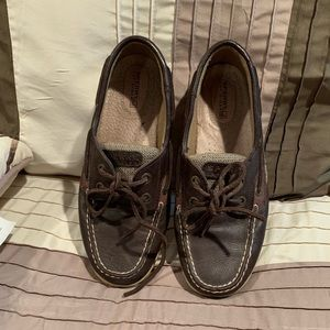 Women's sperry leather shoes.